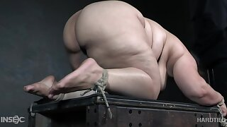 Submissive BBW with a fat nuisance gets a real attraction be expeditious for rope bondage