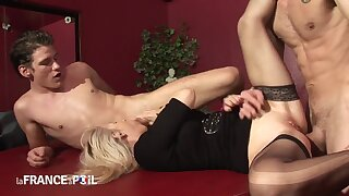 Older blond tramp blowing steadfast young penis