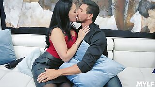 Extravagant giant bottomed joyless MILF Sheena Ryder happily rides strong cock