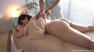 Sensual rub down leads to bonking about chubby model Shinozaki Kanna