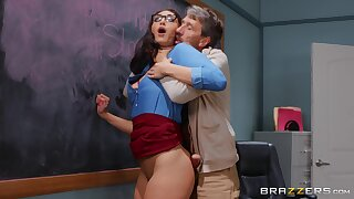 Older man abysm fucks curvy student in the classroom