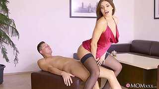 Talented son in lingerie gives dude tons be useful to sex pleasures