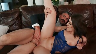 Excited and mature realtor fucks client's daughter on the chaise longue