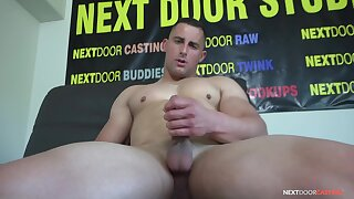 Gay lad jerks off on cam and pleases his horny fans