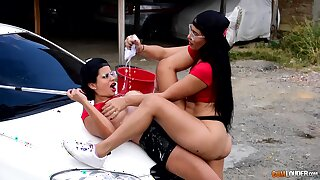 Lesbians love a bit of scissoring during their outdoor play